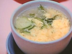きゅうりと卵のスープ