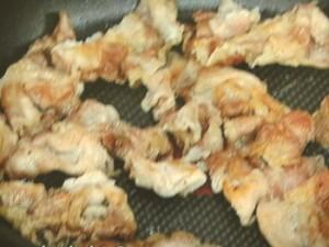 さつまいもと豚肉のバターじょうゆ焼き