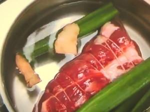 ゆで塩豚の野菜包み