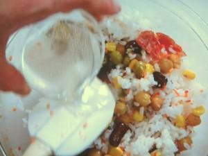 豆のライスサラダ