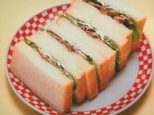豚こまのカレー照り焼きサンド