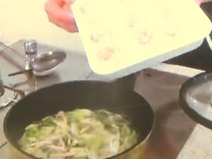 鶏団子入りねぎ、きのこスープ