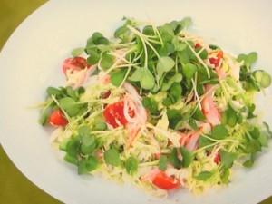 かにかまぼことキャベツのサラダ