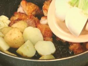 鶏肉と野菜のコロコロ炒め