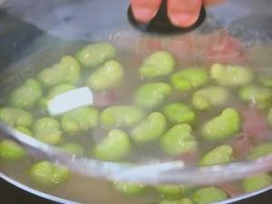 そら豆のローリエ風味煮