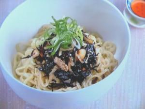 ひじきとねぎの和え麺