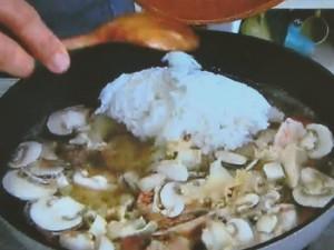もこみち流 エビとアサリとライスのスープ