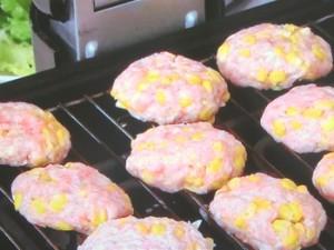 とうもろこしと豚肉のグリルバーグ