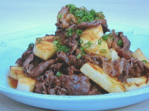 すき焼き牛肉と焼き山芋の炒め物