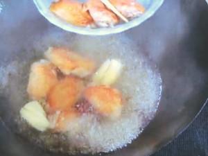 手羽とうずら卵の煮込み