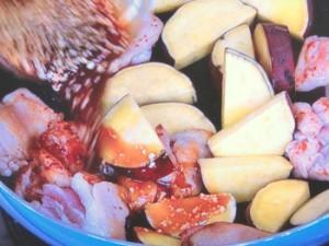 ご飯もお酒も進むよ~鶏肉とさつま芋炒め