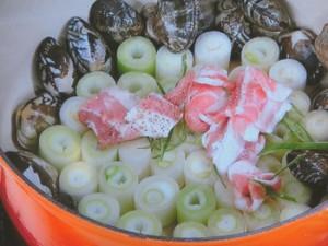 豚バラとアサリのネギ蒸し鍋