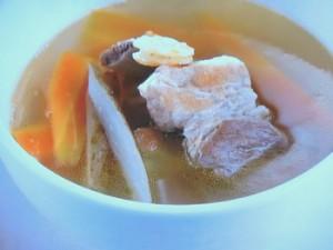 スペアリブの梅風味スープ