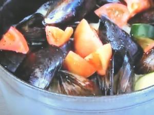 もこみち流 ムール貝とズッキーニとトマトのワイン蒸し
