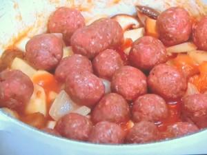 ミートボールと根菜のトマト煮