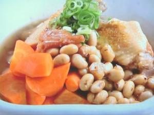 大豆と手羽の梅煮
