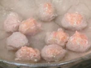 肉だんごと白菜の煮込み