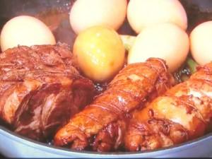 まぐろのオイル漬け/鶏肉と豚肉の紅茶煮