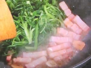 ベーコンと春菊の炒めもの