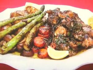 もこみち流 骨付き鶏もも肉と野菜のバルサミコソテー