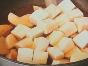 たけのこ、うど、高野豆腐の炊き合わせ