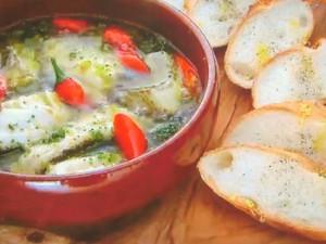 もこみち流 白身魚ときざみブロッコリーのアヒージョ