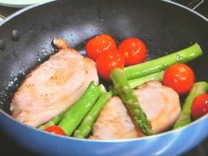 春野菜と豚肉の簡単ワイン蒸し
