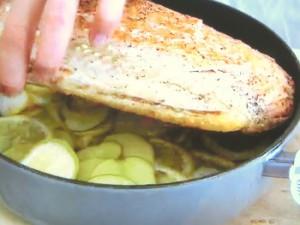 もこみち流 レモン風味のサーモンとじゃがいものオーブン焼き