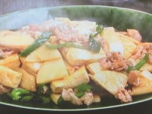 たけのこ、豆腐、豚肉の炒めもの