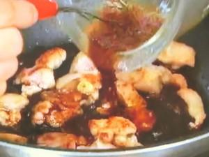 鶏肉と野菜のガーリックバター炒め