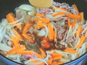 肉ジャガ丼