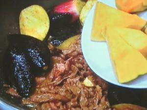 夏野菜と牛肉のカレー煮