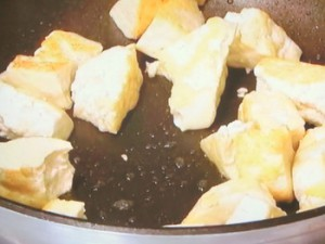 たこと豆腐のアンチョビー炒め