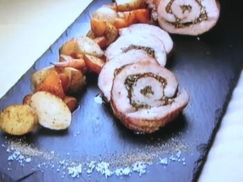 もこみち流 豚肉とハーブ類のまるごとオーブン焼き