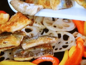 蒲焼き風サンマ丼