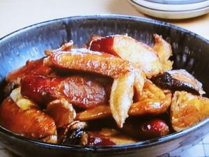 鶏手羽先とさつま芋の煮もの