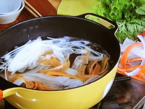 ピーラー・ヒラヒラ鍋