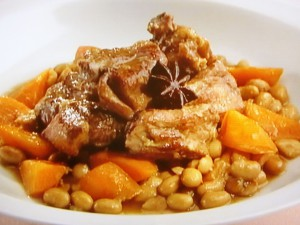 大豆とスペアリブの煮込み