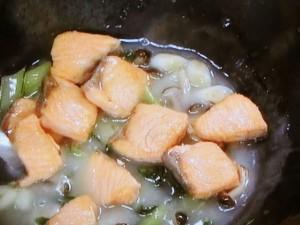 鮭とチンゲン菜の煮込み