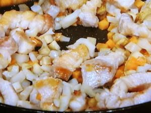 豚肉と根菜の炊き込みご飯