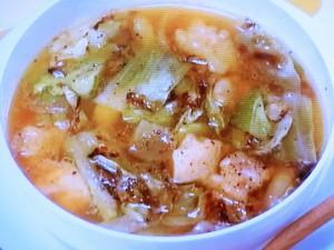 鶏とキャベツのスープ