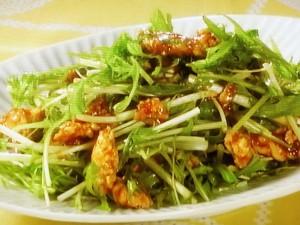 水菜と鶏そぼろのピリ辛炒め