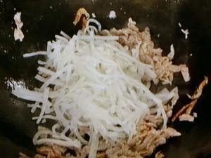 大根と豚肉の炒めもの
