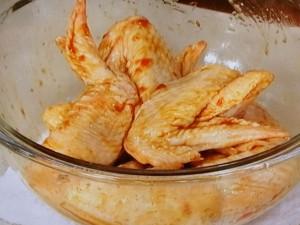 鶏手羽先の梅オイスターから揚げ