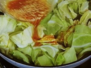 鶏むね肉と春キャベツの味噌マヨ炒め