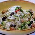 ブロッコリーとソーセージの簡単煮込みパスタ