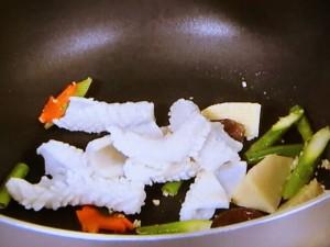 スルメイカの塩味炒め