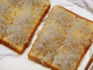 しらすのチーズマヨトースト