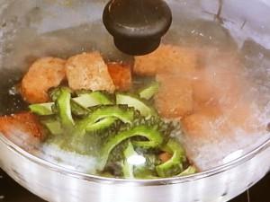 ランチョンミートの彩り夏野菜炒め