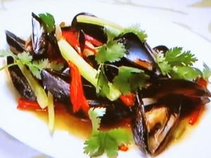 もこみち流 ムール貝とセロリの中華炒め